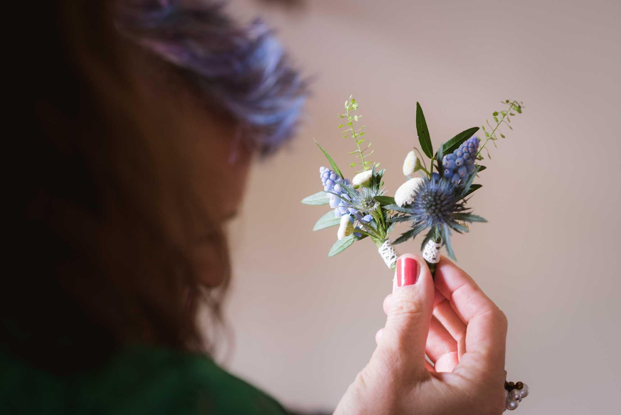 Boutonnières bleue - mariage rétro